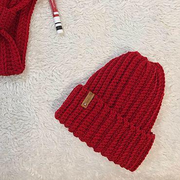 Аксессуары ручной работы. Ярмарка Мастеров - ручная работа Вязаная красная шапка. Handmade.