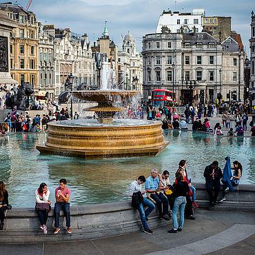 Картины и панно ручной работы. Ярмарка Мастеров - ручная работа Лондон, фонтан изобилия в зоне богатства, карьеры, семьи. Фотообои.. Handmade.