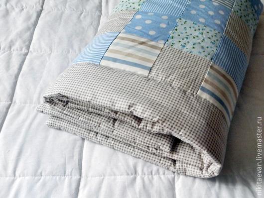 Детская ручной работы. Ярмарка Мастеров - ручная работа. Купить детское лоскутное одеяло. Handmade. Детское лоскутное одеяло, голубой