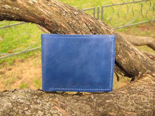 Кошельки и визитницы ручной работы. Ярмарка Мастеров - ручная работа. Купить кошелек мужской из натуральной кожи (бифолд) ярко-синий. Handmade.