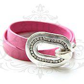 Браслет из бусин ручной работы. Ярмарка Мастеров - ручная работа Кожаный браслет с пряжкой-замком розовый. Handmade.