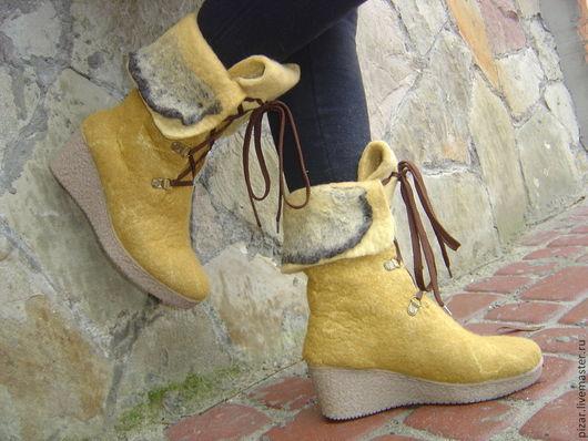 """Обувь ручной работы. Ярмарка Мастеров - ручная работа. Купить Сапожки-валенки """"Медовые"""". Handmade. Рыжий, медовый цвет"""