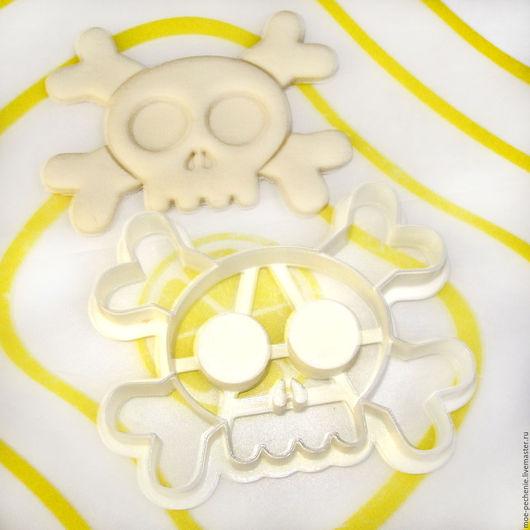 Череп и кости. Вырубка-штамп для пряников, поделок из соленого теста.