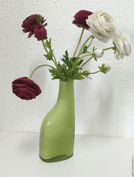 Интерьерные композиции ручной работы. Ярмарка Мастеров - ручная работа. Купить Азиатские лютики -розы весны (ранункулюсы). Handmade. Бордовый