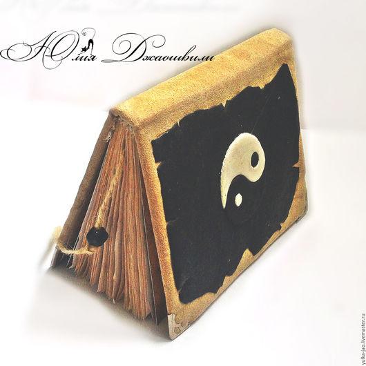 Инь ян, блокнот ручной работы, купить блокнот, блокнот купить, изготовление блокнотов, блокнот с нуля, полимерная глина, красивый блокнот, авторский блокнот, состаренная бумага, подарок ручной работы