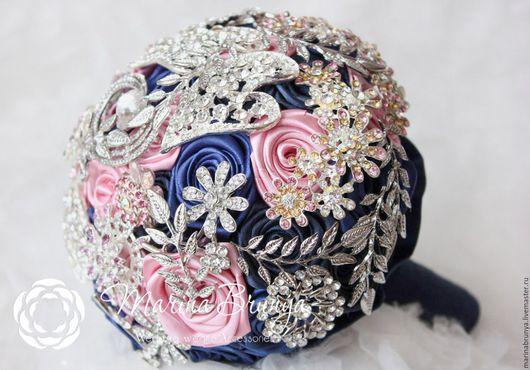 Свадебные цветы ручной работы. Ярмарка Мастеров - ручная работа. Купить Брошь-букет СИНИЙ+РОЗОВЫЙ. Handmade. Тёмно-синий, акссесуары