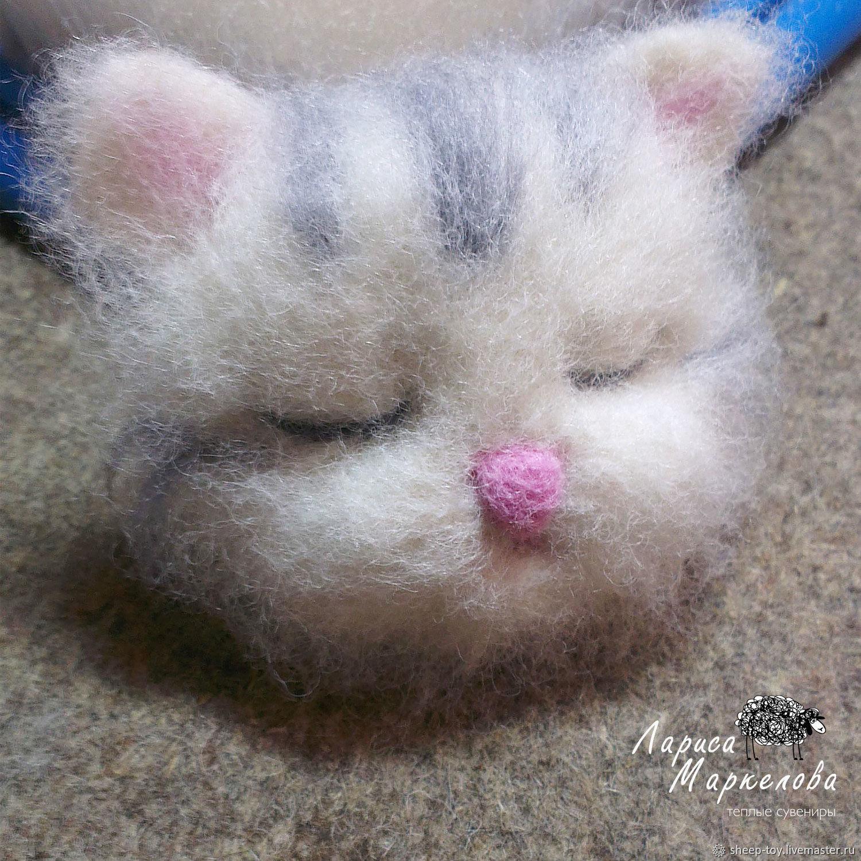 Валяный магнитик. Спящая кошечка, Войлочная игрушка, Коломна,  Фото №1