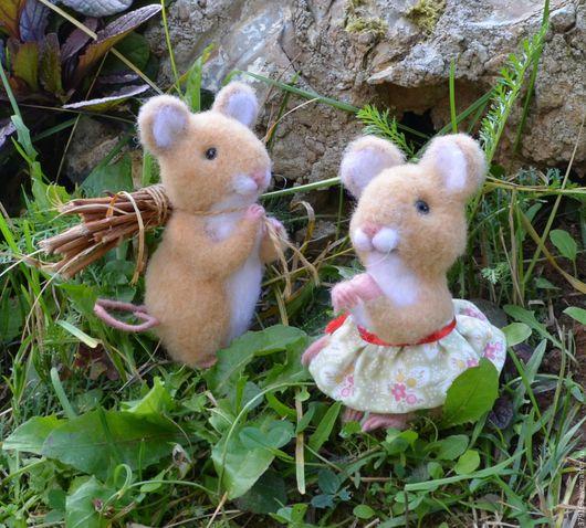 Игрушки животные, ручной работы. Ярмарка Мастеров - ручная работа. Купить войлочные игрушки мышонок Одуванчик и мышка Земляничка. Handmade.
