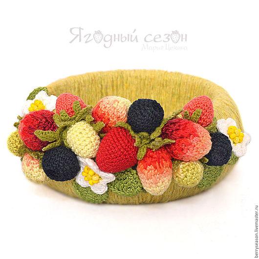 Браслеты ручной работы. Ярмарка Мастеров - ручная работа. Купить Фисташковый  браслет с вязаными ягодами. Handmade. Лимонный, летнее украшение