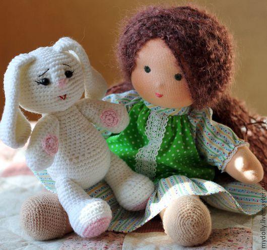 Вальдорфская игрушка ручной работы. Ярмарка Мастеров - ручная работа. Купить Вальдорфская кукла с гардеробом и зайкой. Handmade. Вальдорфская кукла