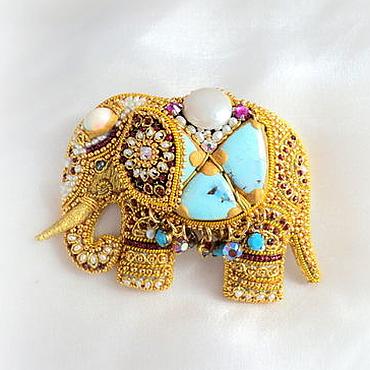 Украшения ручной работы. Ярмарка Мастеров - ручная работа Брошь Индийский Слон талисман, вышивка золотом. Handmade.