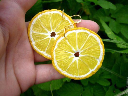 Серьги ручной работы. Ярмарка Мастеров - ручная работа. Купить Серьги из полимерной глины Лимоны. Handmade. Желтый, солнечный, фрукты