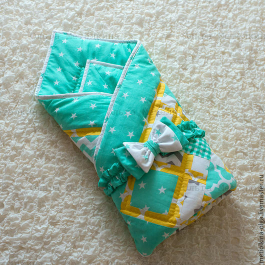 Для новорожденных, ручной работы. Ярмарка Мастеров - ручная работа. Купить Детское лоскутное одеяло на выписку с бантом на резинке. Handmade.