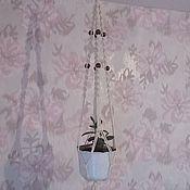 Цветы и флористика ручной работы. Ярмарка Мастеров - ручная работа Кашпо х/б подвесное плетеное макраме с деревянными бусинами. Handmade.