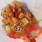 Подарки к праздникам handmade. Livemaster - original item A bouquet of toys and sweets Cheerful family. Handmade.