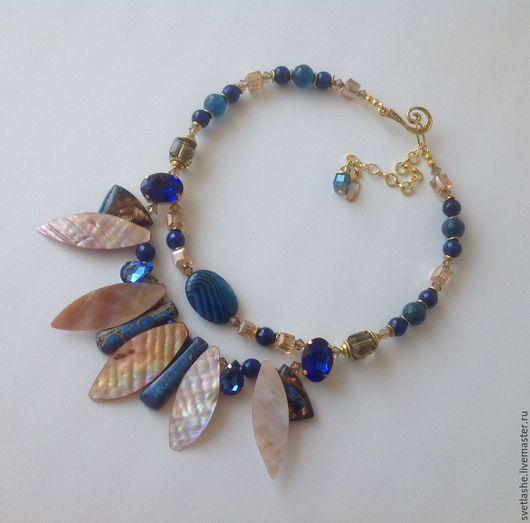 Колье бусы ожерелье из варисцита Агата перламутра купить в подарок себе любимой девушке женщине подруге украшение на шею оригинальное необычное синее нарядное яркое