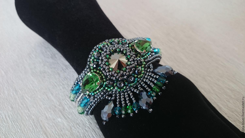 Модный браслет из бисера