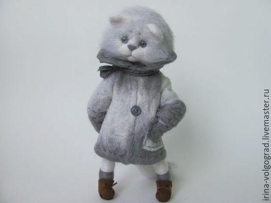 Игрушки животные, ручной работы. Ярмарка Мастеров - ручная работа. Купить котик в пальто. Handmade. Серый, валяшка, котенок, котэ