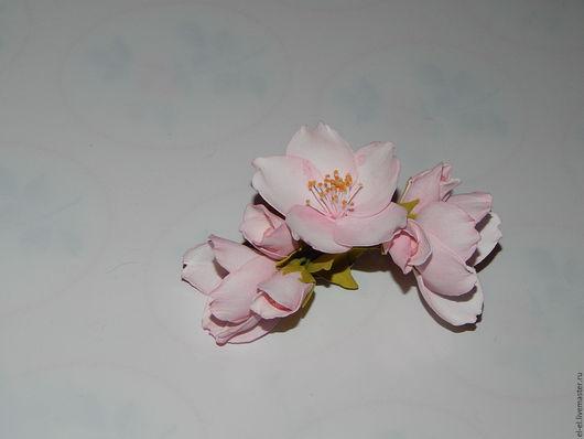 """Заколки ручной работы. Ярмарка Мастеров - ручная работа. Купить Зажим для волос - брошь """"Весенние цветы яблони"""". Handmade."""