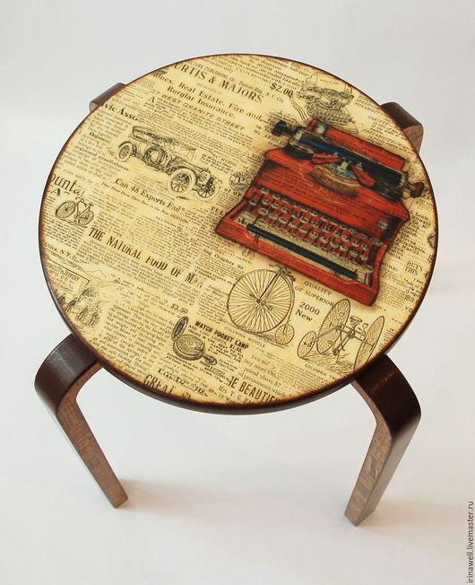 """Мебель ручной работы. Ярмарка Мастеров - ручная работа. Купить Табурет """"Репортёр"""". Handmade. Желтый, Декупаж, дерево"""