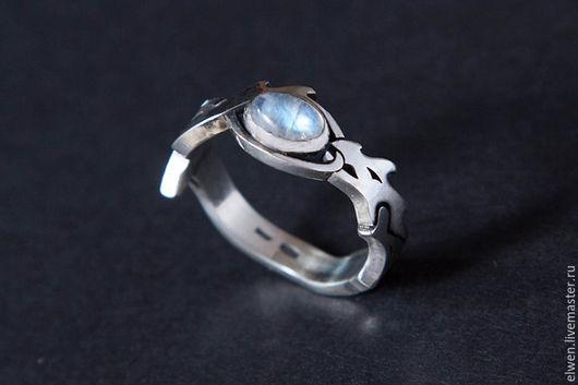 Кольца ручной работы. Ярмарка Мастеров - ручная работа. Купить Кольцо Уроборос с Лунным камнем. Handmade. Серебряный, лунный камень