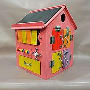 Бизиборды ручной работы. Ярмарка Мастеров - ручная работа Бизиборд Бизи Дом 30х30х40 см Розовый. Handmade.