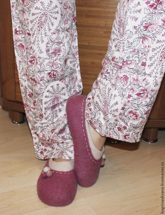 """Обувь ручной работы. Ярмарка Мастеров - ручная работа. Купить Тапочки из овечьей шерсти """"Ягодный пай"""". Handmade. Фуксия"""