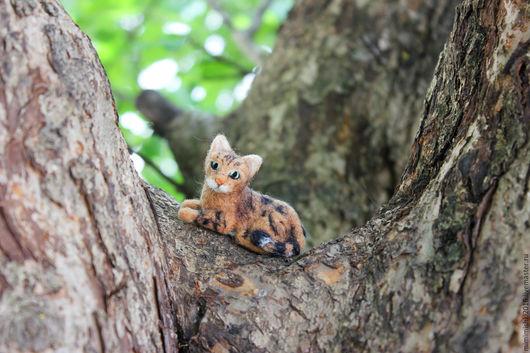 Игрушки животные, ручной работы. Ярмарка Мастеров - ручная работа. Купить миниатюра Кошка на ладошке. Handmade. Коричневый, бенгальская кошка