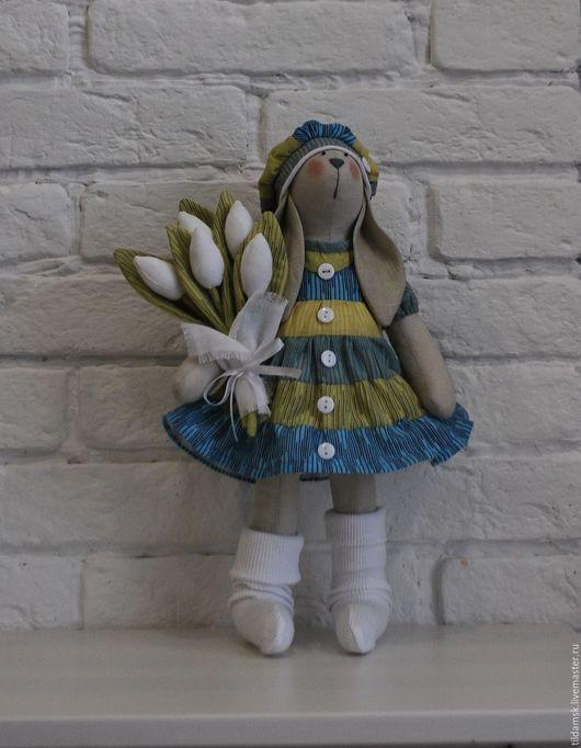 Куклы Тильды ручной работы. Ярмарка Мастеров - ручная работа. Купить Тильда зайка с белыми тюльпанами. Handmade. Интерьерная кукла
