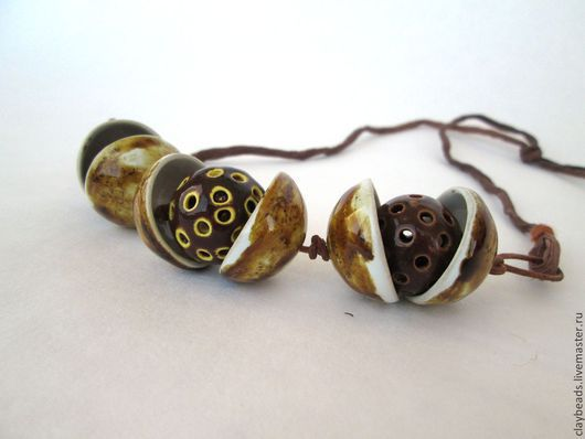 """Колье, бусы ручной работы. Ярмарка Мастеров - ручная работа. Купить """"Три орешка для Золушки"""". Керамическое ожерелье. Handmade. керамика"""