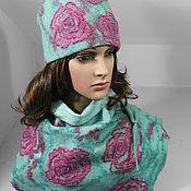 Комплект валяный шапочка и бактус Розы на снегу