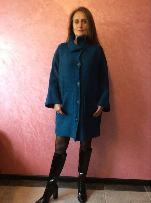 Верхняя одежда ручной работы. Ярмарка Мастеров - ручная работа. Купить Вязаное пальто ручной работы САКУРА В ИЗУМРУДЕ. Handmade.