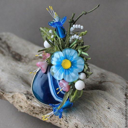 Кольцо Перстень Агат Лэмпворк Голубые цветы Кольцо перстень собрано на основе с природным, натуральным  агатом. Природный агат имеет насыщенный синий оттенок