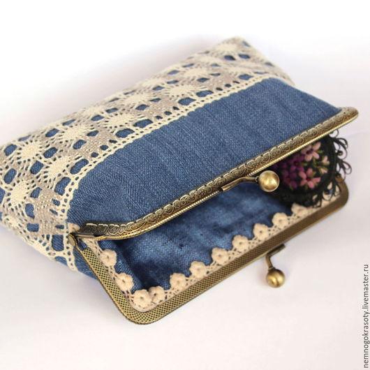 Оригинальная косметичка с фермуаром из джинсовой ткани и льняного кружева. Купить косметичку с фермуаром ручной работы.