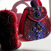 Классическая сумка ручной работы. Ярмарка Мастеров - ручная работа Сумочка маленькая красная вышитая бисером Шик. Handmade.