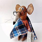 Год Крысы 2020 ручной работы. Ярмарка Мастеров - ручная работа Умный Крыс Вениамин символ 2020 года новогодний подарок год крысы. Handmade.