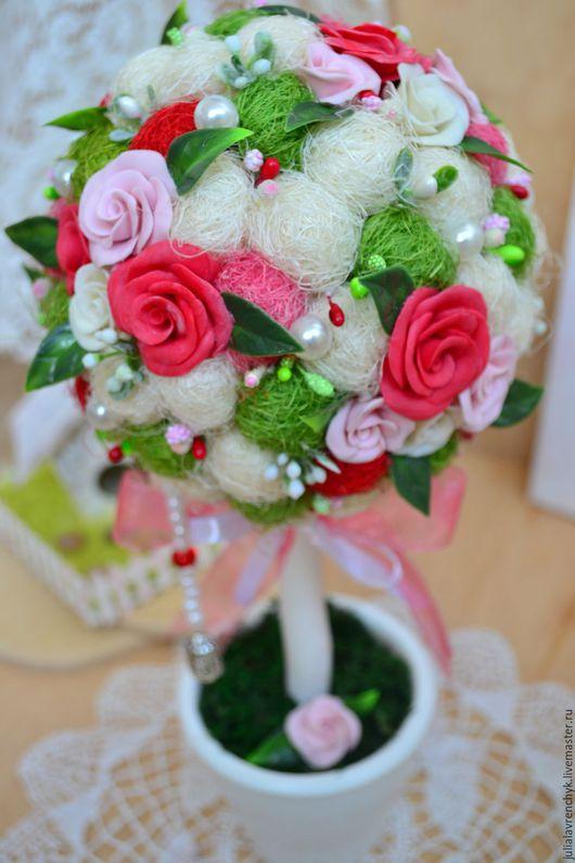 Топиарий деревце `Love` . Цветы из холодного фарфора. Юлия Лавренчук  Больше работ http://vk.com/julialavrenchyk