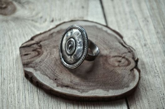 Кольца ручной работы. Ярмарка Мастеров - ручная работа. Купить Женское кольцо из серебра: Старинный щит. Handmade. Женское кольцо