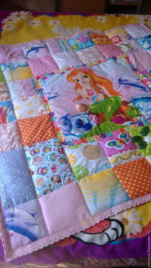 """Пледы и одеяла ручной работы. Ярмарка Мастеров - ручная работа. Купить Лоскутное одеяло """"Русалочка в розовом кружеве"""". Handmade."""