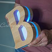 Для дома и интерьера ручной работы. Ярмарка Мастеров - ручная работа Ночник-буква В из массива дерева. Handmade.