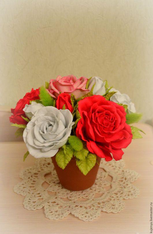 """Интерьерные композиции ручной работы. Ярмарка Мастеров - ручная работа. Купить Цветочная композиция """"Счастье"""" с розами из фоамирана. Handmade. в красном"""
