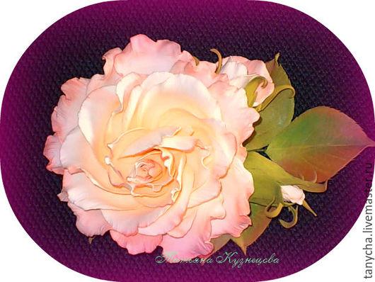 Броши ручной работы. Ярмарка Мастеров - ручная работа. Купить Брошь-цветок с веточкой из роз. Handmade. Комбинированный, розы из фоамирана