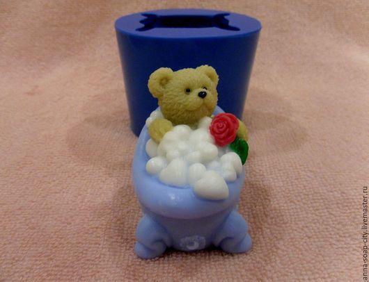 """Другие виды рукоделия ручной работы. Ярмарка Мастеров - ручная работа. Купить Силиконовая форма для мыла """"Мишка принимает ванну"""". Handmade."""