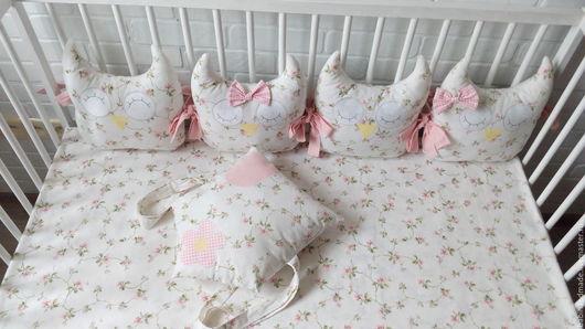 Детская ручной работы. Ярмарка Мастеров - ручная работа. Купить Бортики-подушки в кроватку. Handmade. Белый, мягкие бортики, совушки