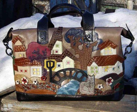 Уютная сумка теплых коричнево-рыжих тонов, подходит на все сезоны и все времена года..