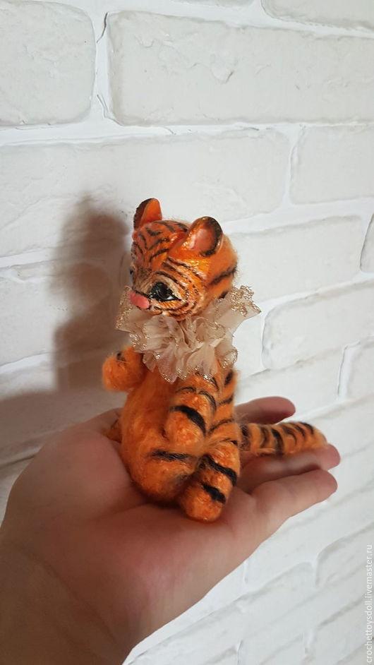 Игрушки животные, ручной работы. Ярмарка Мастеров - ручная работа. Купить Тигр на проволочном каркасе. Handmade. Оранжевый, игрушка крючком