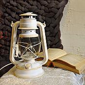 Настольные лампы ручной работы. Ярмарка Мастеров - ручная работа Керосиновая лампа электрическая белая настольная подарок на 8 марта. Handmade.