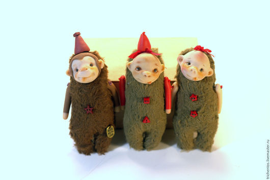 Коллекционные куклы ручной работы. Ярмарка Мастеров - ручная работа. Купить Крошка на ладошке - обезьянка Мими. Handmade. Ярко-красный