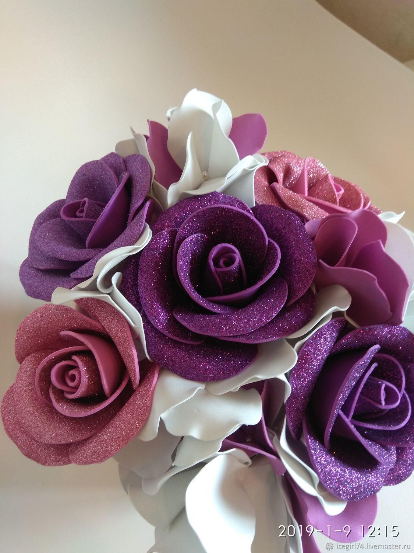 Шляпная коробка с розами и гортензиями