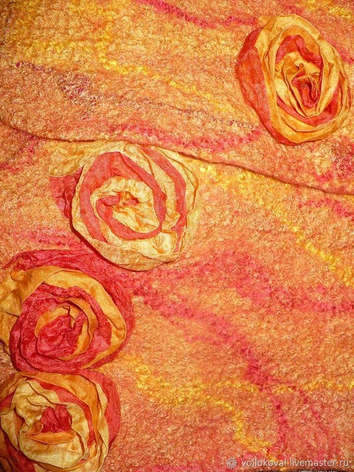 Валяный шёлковый жилет на девочку Красный апельсин